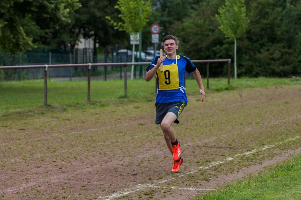 Beim 1500 m - Staffellauf war Kondition und Schnelligkeit gefordert.